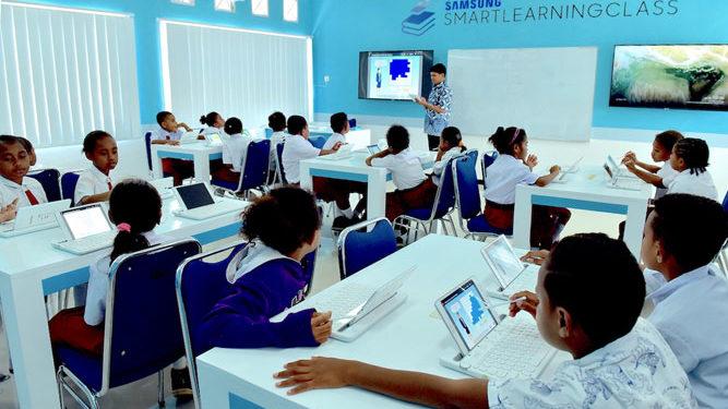 Samsung Electronics Indonesia (SEIN), Kamis (4/10/2018) meresmikan SSLC di SD YPK Waupnor di Biak Numfor, Papua.
