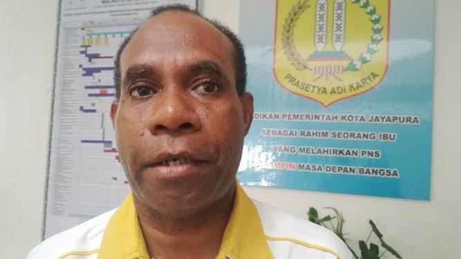 Kepala Disnaker Kota Jayapura, Djoni Naa