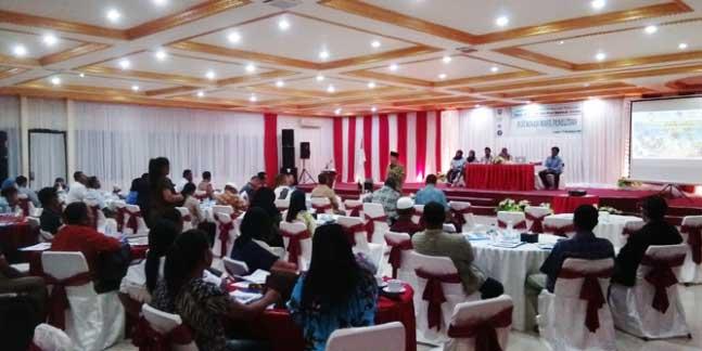 Badan Penelitian dan Pengembangan Daerah (Balitbangda) Kabupaten Maluku Tenggara (Malra) menggelar kegiatan Diseminasi Hasil Penelitian, yang dipusatkan di Ballroom Kimson Center, Langgur.