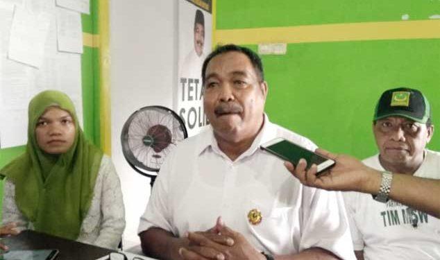 Ketua DPW PBB Provinsi Maluku, Saleh Wattiheluw (tengah)