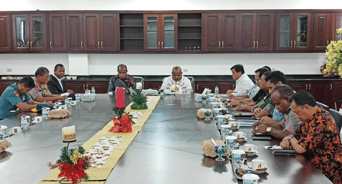 Rapat bersama Fokopimnda Papua, di Gedung Negara, Dok V Atas, Distrik Jayapura Utara, Kota Jayapura, Jumat (28/12/2018)