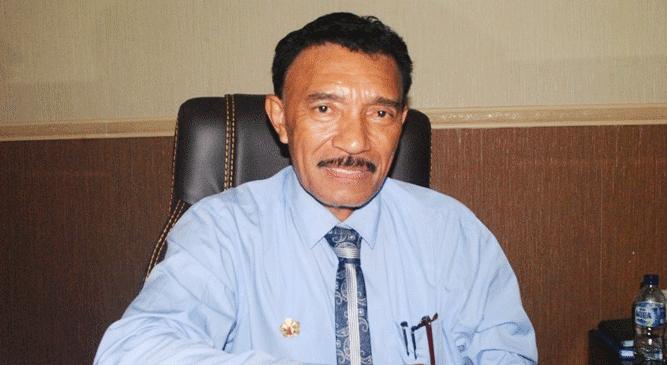 Ayub Seleky semasa menjabat sebagai Wakil Bupati Buru Selatan