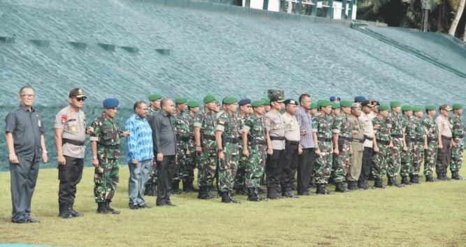 Apel kesiapan latihan pengamanan Pileg dan Pilpres, di Lapangan Apel Frans Kasiepo Makodam XVII/Cendrawasih, Kamis (7/2/2019)