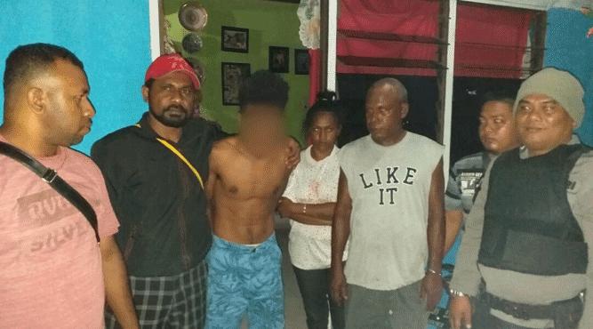 Pelaku berhasil ditangkap dari dalam kamar rumahnya oleh tim gabungan Opsnal dan Patmor 04 Polsek Abepura sekitar pukul 03.00 WIT, Selasa (12/2/2019)