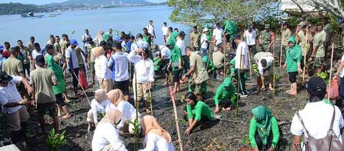 11-Dharma-Pertiwi-Dukung-Program-Penanaman-Satu-Juta-Pohon-Mangrove-Serentak-di-10-Provinsi