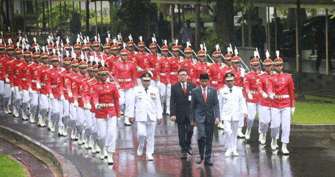 Prosesi pelantikan Gubernur - Wagub Maluku saat dikawal Paspampres menuju Istana Negara, Rabu (24/4/2019)