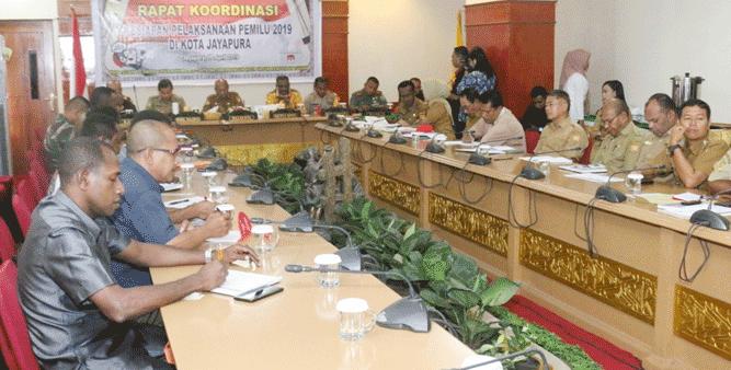 Rakor bersama penyelenggara Pemilu di Kota Jayapura, guna mengecek kesiapan menjelang pelaksanan Pemilu serentak pada 17 April 2019 mendatang, Senin (8/4/2019)