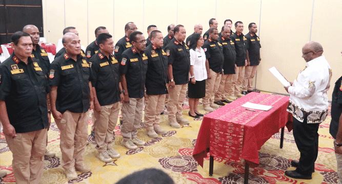 Wagub Klemen Tinal, SE, MM saat mengukuhkan Forum Sekda Kabupaten/Kota se - Provinsi Papua, Rabu (22/5/2019)