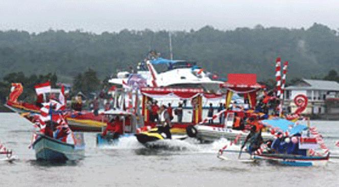 Lomba Arumbae Manggurebe yang menjadi salah satu agenda rutin setiap pelaksanaan Festival Teluk Ambon