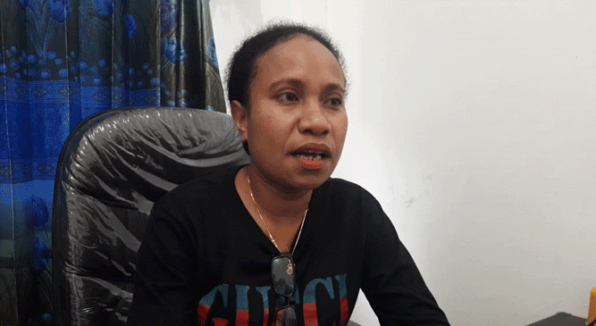 Komisioner Divisi Hukum KPUD Kepulauan Yapen,  Evrida Woremba
