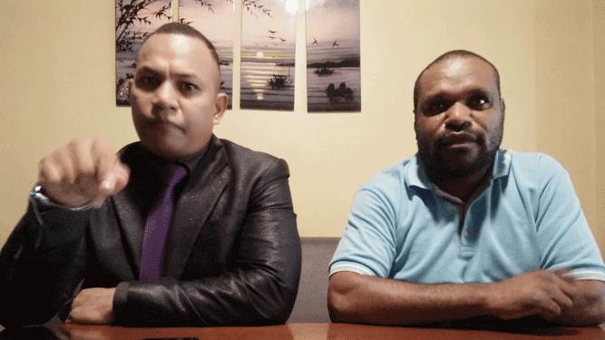 Ketua Umum PAP, Christian Arebo (kiri) dan wakilnya Leo Hilman