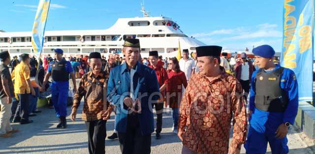 Kepala Kantor Agama dan Asisten I Setda bersama Kontingen Kafilah Malra tiba di Namlea, Kabupaten Buru Kamis (13/6), untuk Mengikuti Lomba MTQ Provinsi Maluku ke-XXVIII