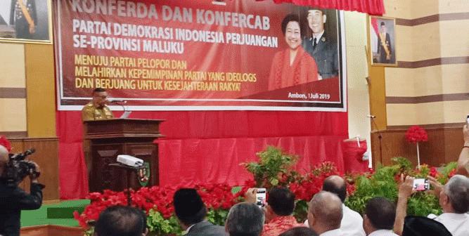 Gubernur, Murad Ismail saat menyampaikan sambutan pada pembukaan Konfercab dan Konferda PDI Perjuangan Maluku, di gedung Baileo Siwalima, kawasan Karang Panjang Ambon, Senin (1/7/2019)