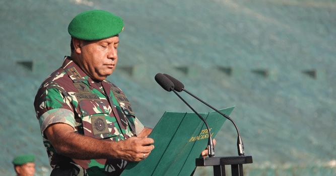 Pangdam XVII/Cenderawasih Mayjen TNI. Herman Asaribab