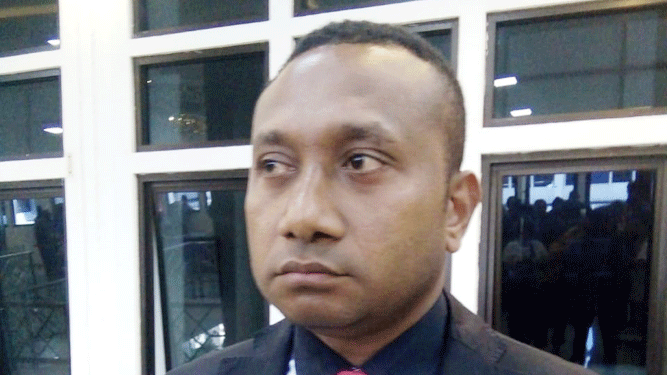 Legislator RI, Yan P. Mandenas
