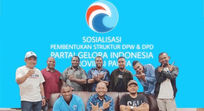 Ketua DPW Gelora Papua,Dr Muhammad Yamin Noch, M.SA bersama pengurus DPW, DPD Gelora Indonesia Papua saat konsolidasi perdana, Minggu (17/11/2019)