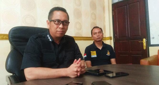 Dirkrimsus Polda Papua Kombes Pol Putu Putera Sadana saat memberikan pernyataan pers