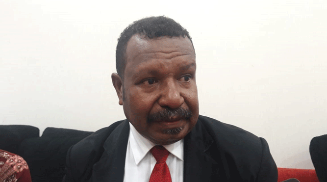 Legislator Papua Edoardus Kaize, SS