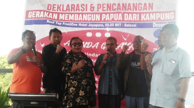 irektur Founder PCW Muhammad Rifai Darus, SH, MH dan Staf Deklarasi Pencanangan Gerakan Membangun Papua dari Kampung memperingati Hari Anti Korupsi Sedunia  di Jayapura, Senin (9/12/2019)