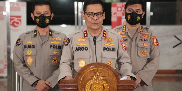 Kadiv Humas Polri, Irjen Pol.Argo Yuwono saat memberikan keterangan pers di Mabes Polri, Jakarta, Rabu (29/12/2020)