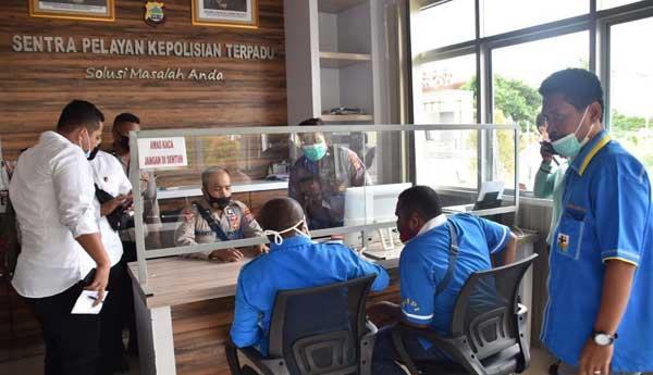 DPD KNPI Papua Barat melaporkan akun facebook Ambrosius Nabababan ke SPKT Polda Papua Barat, Senin (25/1/2021)