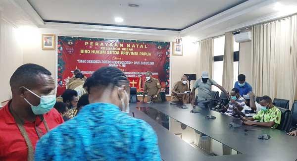 Momen pertemuan di ruang Biro Hukum Seta Provinsi Papua, Selasa (23/2/2021)