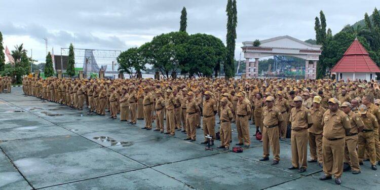ASN Papua apel pagi di lapangan apel kantor Gubernur Papua, Dok II, Kota Jayapura