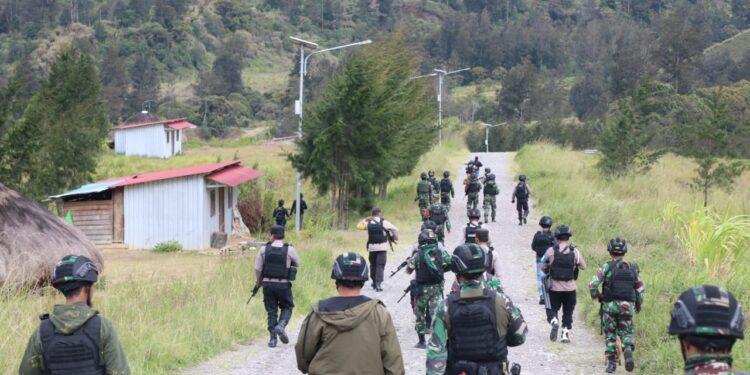 Personel gabungan TNI- Polri di Distrik Ilaga, Kabupaten Puncak