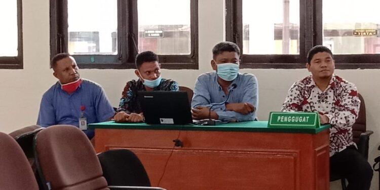 Tim kUasa hukum Pemohon Pra Peradilan sata hadir dalam ruang sidang utama PN SorONG, Rabu (24/2/2021).(Foto : Ist)