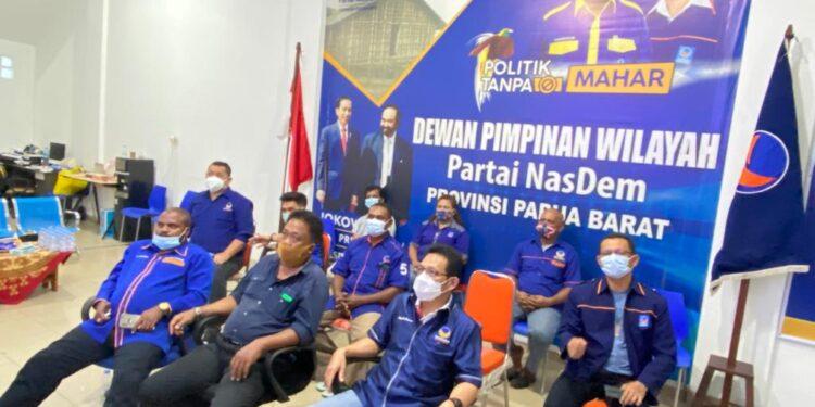 Pengurus DPW Partai NasDem Papua Barat mengikuti Rakornassus di Manokwari pekan lalu. (Foto { Ist)