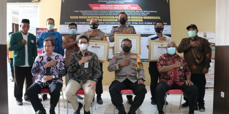 Polda Papua Barat Deklarasikan Zona Integritas Menuju WBK/ WBBM di Mapolda Papua Barat, Jumat (26/2/2021). (Foto : Ist)