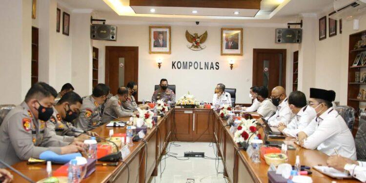 Kapolri Jenderal Polisi. Listyo Sigit Prabowo Membahas Pemantapan Polri Presisi bersama Kompolnas di Gedung Kompolnas, Jakarta Selatan, Selasa (9/3/2021). Foto: Divisi Humas Mabes Polri