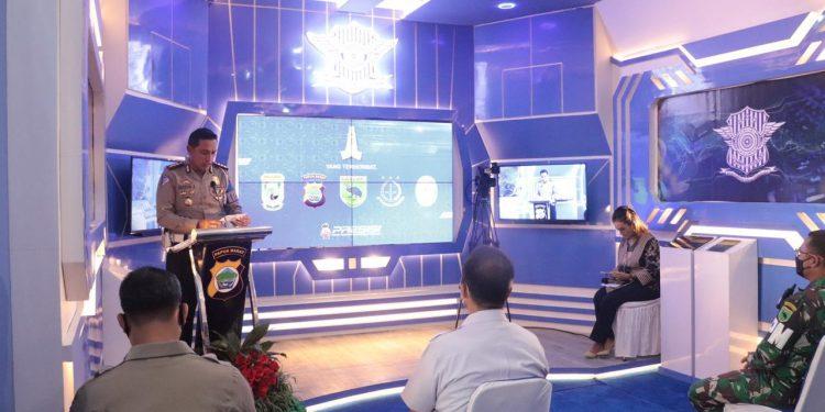 Direktur Lalu Lintas Polda Papua Barat Kombes Pol Raydian Kokrosono,S.I.K.,M.Si menyampaikan laporan lounching KTL Pro Mansinam di Kantor Bersama Samsat Manokwari, Rabu (16/6/2021).(Foto : Istimewa)