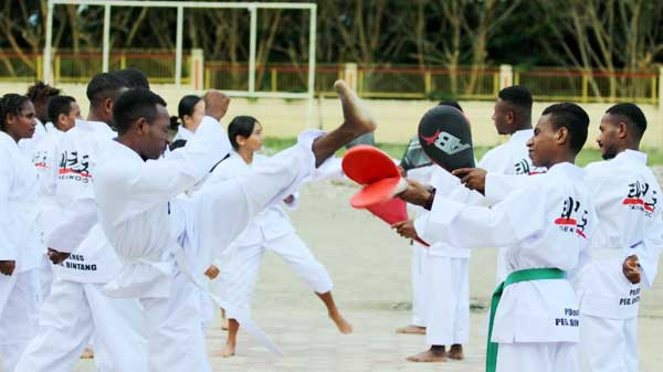 Tim Taekwondo Binaan Polres Pegubin berhasil menjadi Juara Umum I pada Kejurnas Taekwondo E-Poomsae dan Speed Kicking Papua Open 2021