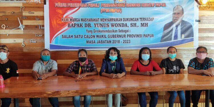 Keterangan Pers dari Forum Perempuan Peduli Pembangunan Ekonomi Kreatif (FP3K) Papua mendukung DR. Yunus Wonda, SH, MH, sebagai Wakil Gubernur Papua / Foto: IDI