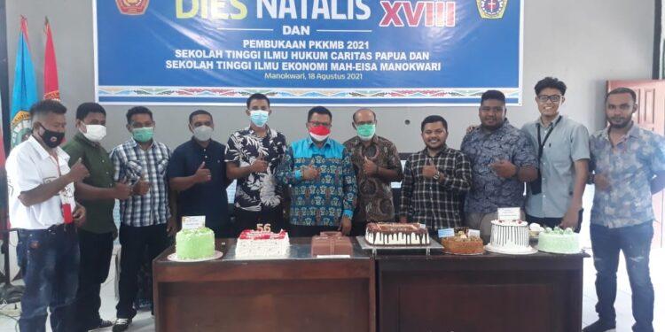 Perayaan Dies Natalis Sekolah Tinggi Ilmu Hukum (STIH) Caritas Papua dan Sekolah Tinggi Ilmu Ekonomi (STIE) Mah-Eisa Manokwari ke XIX di Kampus setempat, tepatnya Rabu (18/8/21).(Foto : Istimewa)