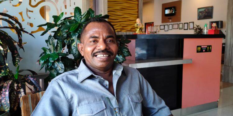 Anggota DPR Papua Barat Xaverius Kameubun,S.H (Foto : KENN)
