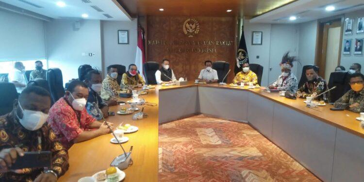 Pansus DPR Papua Barat Bertemu Dengan Ketua MPR RI Bambang Soesatyo di ruang rapat Pimpinan MPR RI, Kompleks Senayan Jakarta, Kamis (9/9/2021).(Foto : Istimewa)