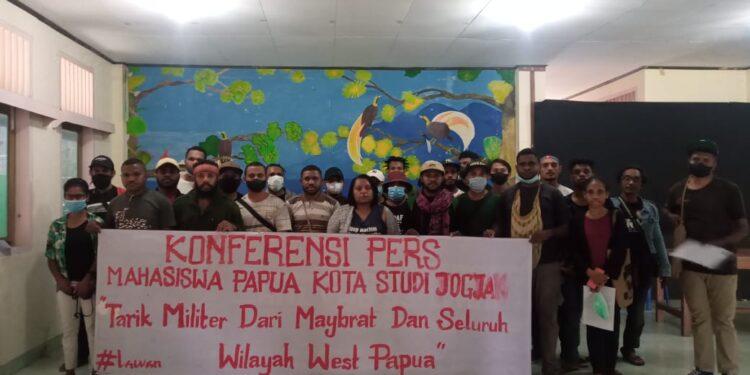 Konfrensi Pers Mahasiswa Papua di Kota Studi Yogyakarta, Sabtu (11/9/2021) Mendesak Hentikan Operasi Militer di Maybrat dan West Papua.(Foto : Istimewa)