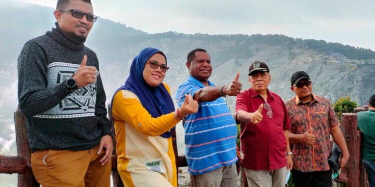 Pimpinan dan Anggota Komisi III DPR Papua Barat Melakukan Kunjungan Kerja ke Bandung, Jawa Barat pekan ini.(Foto : KENN)