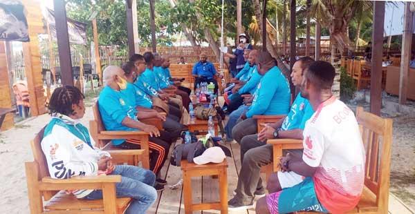 Ketua Umum Pertina Papua, Ricky Ham Pagawak saat temu kangen bersama para legenda tinju Papua era 1970 sampai 2000-an di Cafe Tropical, Pantai Holtekamp, Kota Jayapura, Jumat (17/9/2021) / Foto: Seo Balubun